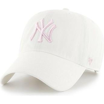 Cappellino visiera curva bianco con logo rosa di New York Yankees MLB Clean Up di 47 Brand