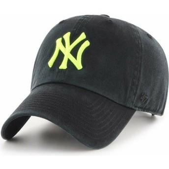 Cappellino visiera curva nero con logo giallo di New York Yankees MLB Clean Up di 47 Brand
