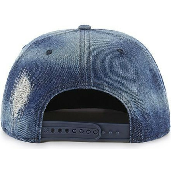 cappellino-visiera-piatta-blu-marino-denim-snapback-di-new-york-yankees-mlb-captain-loughlin-di-47-brand