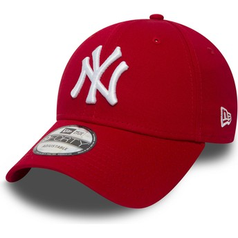 Cappellino visiera curva rosso regolabile 9FORTY Essential di New York Yankees MLB di New Era