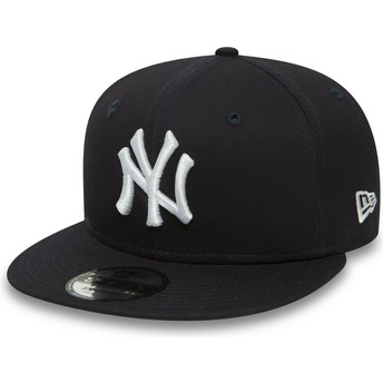 Cappellino visiera piatta blu marino regolabile 9FIFTY Essential di New York Yankees MLB di New Era