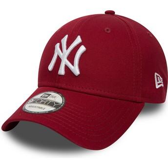 Cappellino visiera curva rosso cardinale regolabile 9FORTY Essential di New York Yankees MLB di New Era