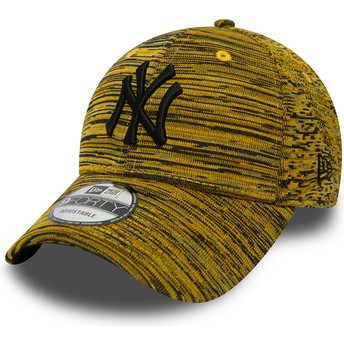 Cappellino visiera curva giallo regolabile con logo nero di New York Yankees MLB 9FORTY Engineered Fit di New Era