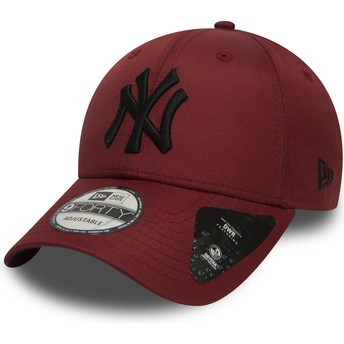 Cappellino visiera curva bordeaux regolabile con logo nero 9FORTY Ripstop di New York Yankees MLB di New Era