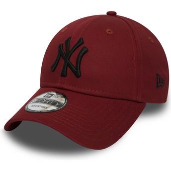 Cappellino visiera curva rosso regolabile con logo nero 9FORTY Essential di New York Yankees MLB di New Era