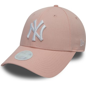 New Era Curved Brim 9FORTY League Essential New York Yankees MLB Pink Adjustable Cap
