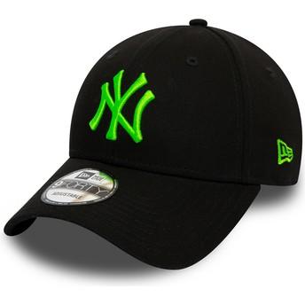 New Era Curved Brim Green Logo 9FORTY League Essential Neon New York Yankees MLB Black Adjustable Cap