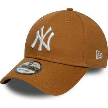 New Era Curved Brim 9FORTY League Essential New York Yankees MLB Wheat Brown Adjustable Cap