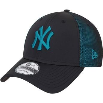 New Era Curved Brim Blue Logo 9FORTY Mesh Underlay New York Yankees MLB Black and Blue Adjustable Cap