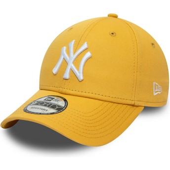 New Era Curved Brim 9FORTY League Essential New York Yankees MLB Yellow Adjustable Cap