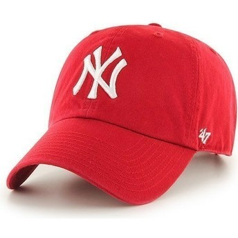 Cappellino visiera curva rosso di New York Yankees MLB Clean Up di 47 Brand
