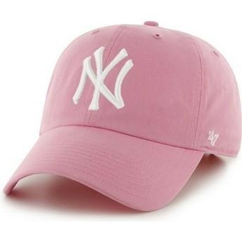 Cappellino visiera curva rosa con logo frontale grande di MLB New York Yankees di 47 Brand